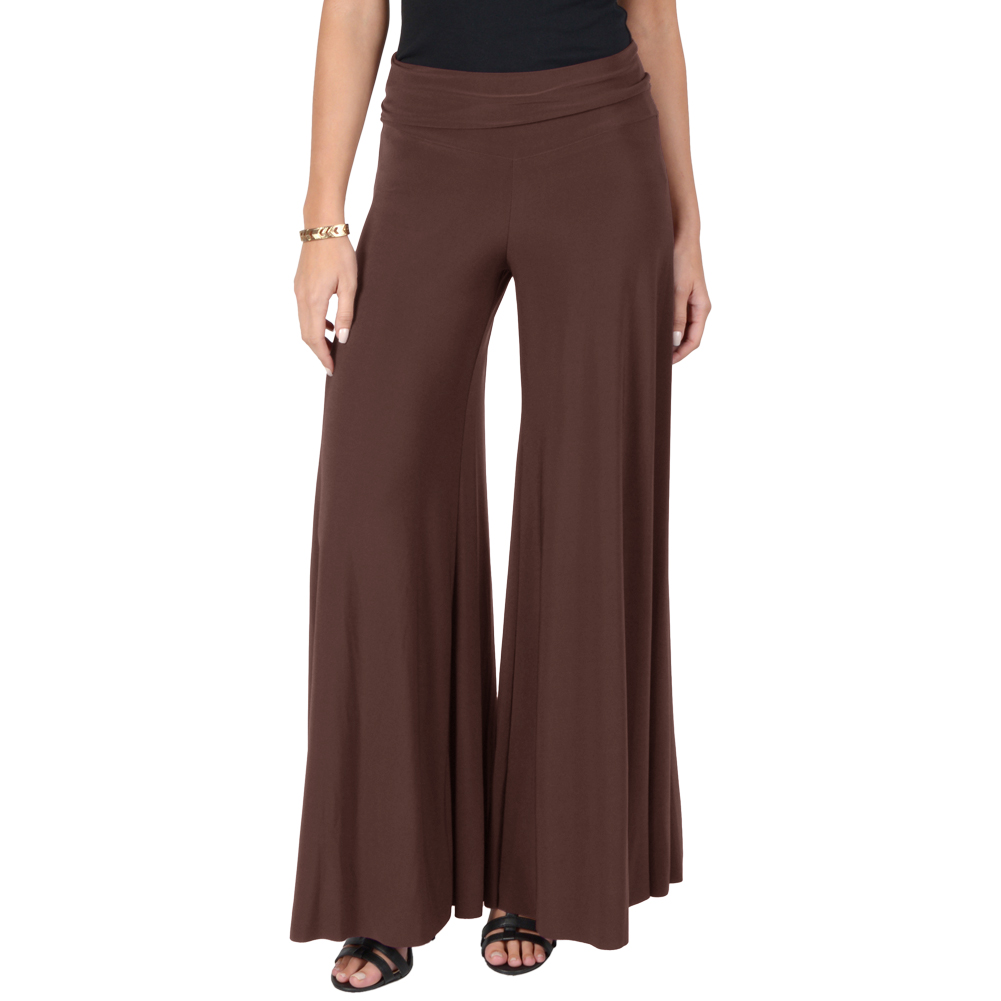 This year, fashion is all about the palazzo pants! This new fashion treasure provides a pants silhouette that is casually elegant, relaxed and the ultimate in comfort.